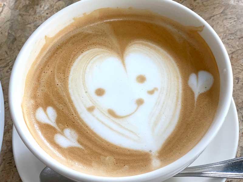 かわいいカフェラテ